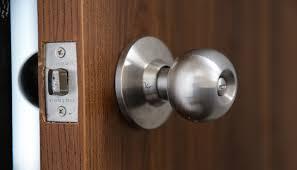 Commercial Locksmith - Door lock key